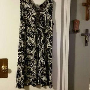 Woman's black / cream dress MJ collection sz XL